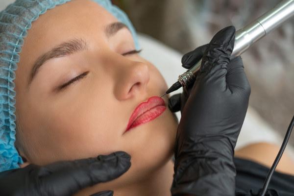 makijaż stały, makijaż permanentny ust